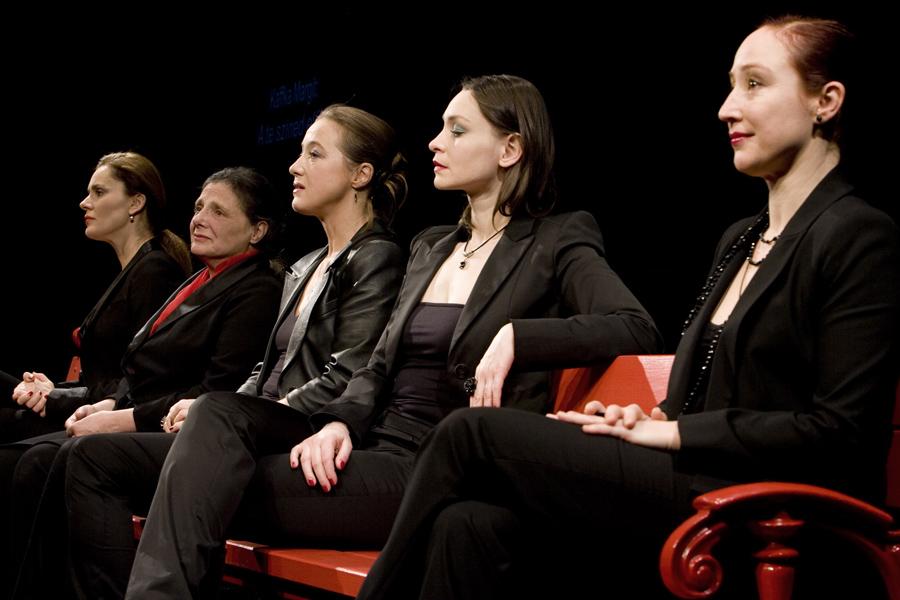 A nőNYUGAT századik alkalommal a Thália Színházban