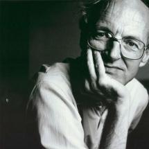 Bohózattól a tragédiáig - színházi beszélgetés Michael Fraynnel