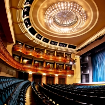 Színházunk 2020. március 12-től zárva tart
